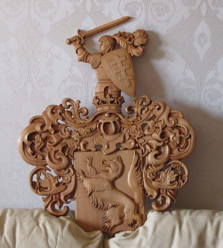 Резной герб Кошкиных