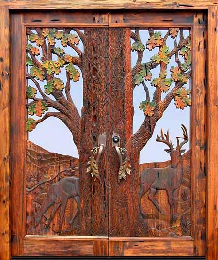 двойная резная дверь с панно