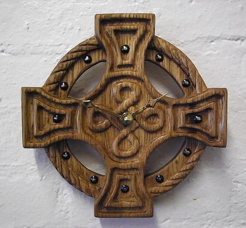 кельский крест с часами