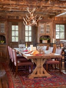 столовая в охотничьем домике