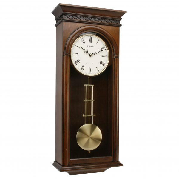 деревянные часы с маятником