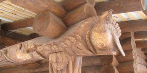 скульптура глухаря вырезанная из бревна