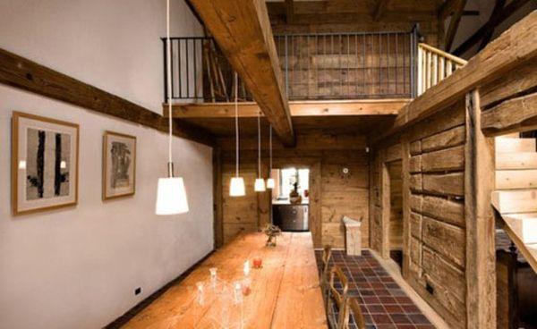 интерьер с деревянными элементами