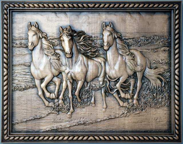 картина лошади на берегу