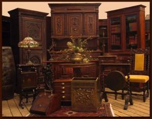 антикварный кабинет из дерева