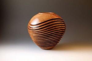 деревянная ваза волны