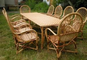 Плетеная мебель на улице