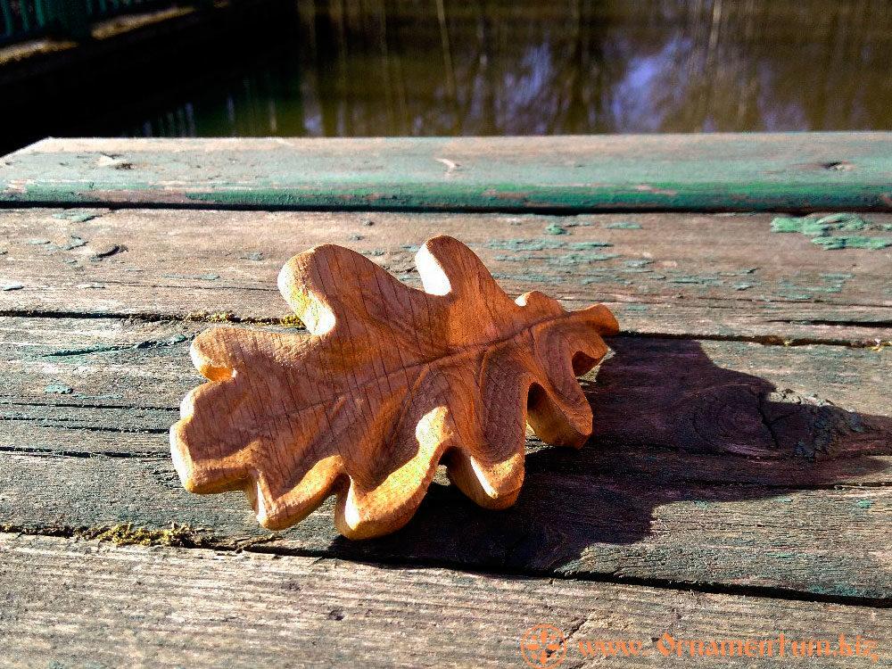 дубовый листик деревянная заколка с механизмом