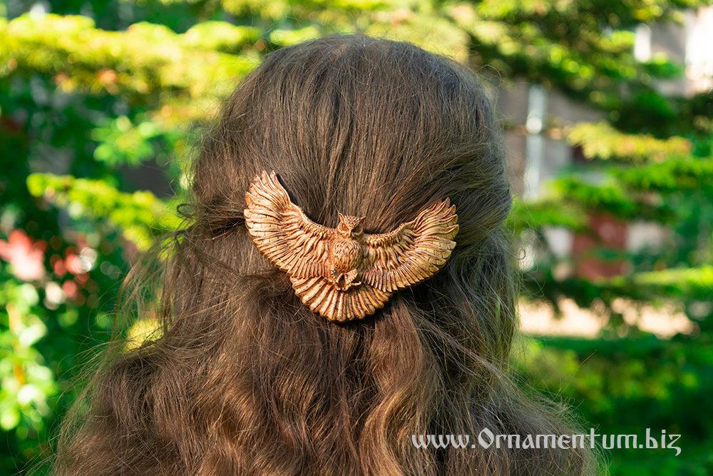 деревянная заколка сова на волосах