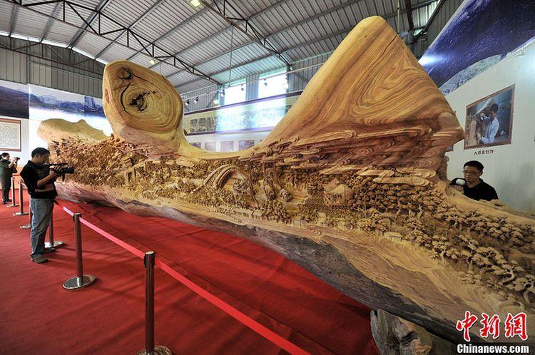 Самая длинная в мире резьба по дереву